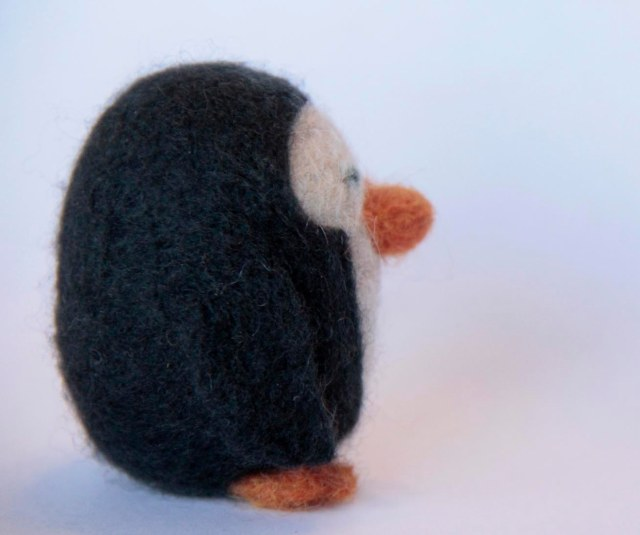 penguin photo, felted penguin photo