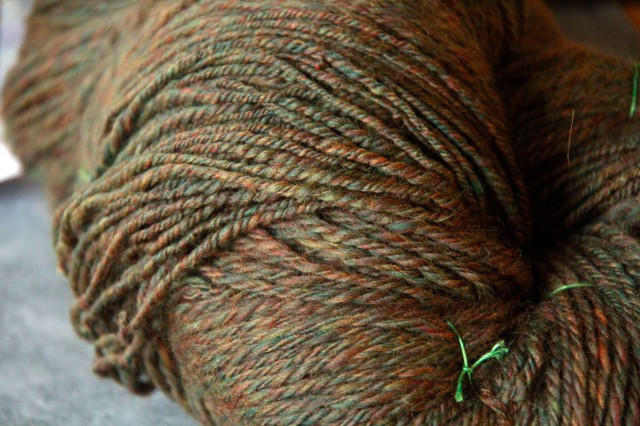 tweed yarn, hand spun tweed yarn, green tweed, merino yarn, merino wool